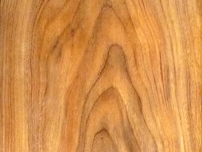 Cửa gỗ lim Lào tự nhiên - Vân gỗ nổi và rất đẹp